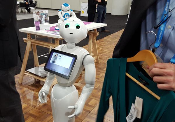 Robot retail