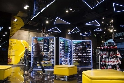 JD Sports adds accent lighting wow factor
