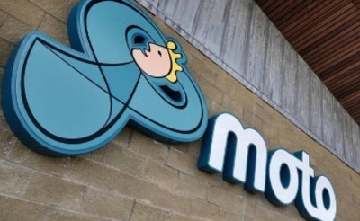 MOTO extends digital signage contract