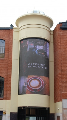 Video wall transforms shopping centre