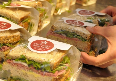 Pret a Manger launches Christmas online