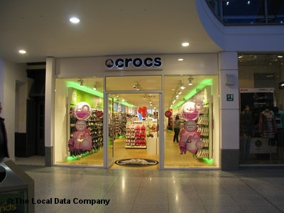 Crocs adopts shopper counting service